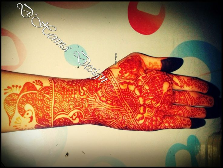 full indian design by. D'Henna