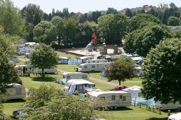 Browse and compare 62 campsites & holiday parks in Devon from £5 for 1 night. Easy booking, no fees.