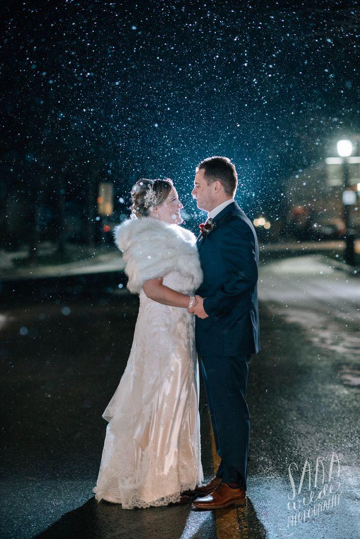 Beautiful winter weddings at Inn On The Twenty #JordanVillage #Innonthetwenty #TwentyValley