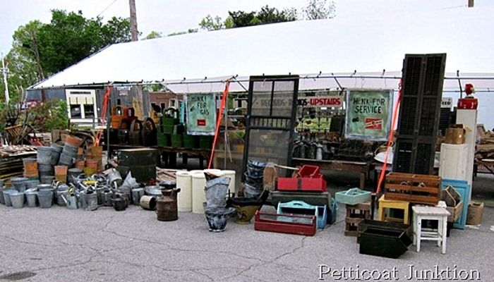 Everything You Always Wanted To Know About The Nashville Flea Market.  Bucket list some day.