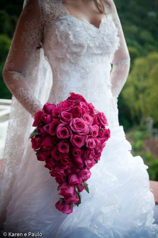 Drop-shaped pink roses