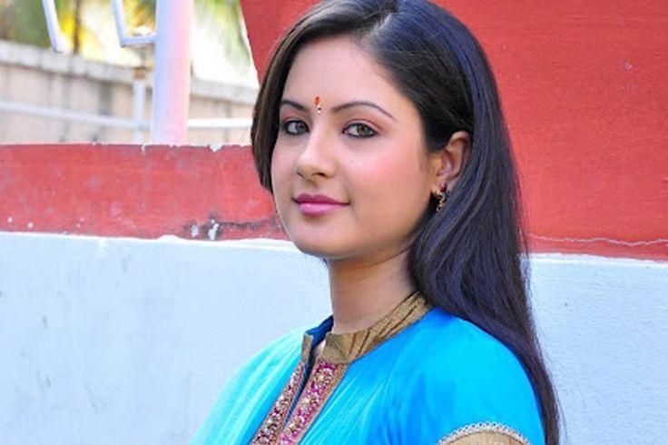 पूजा बोस की जीवनी &8211; Pooja Bose Biography