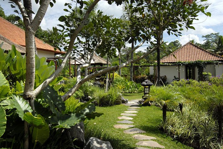 The garden at Villa Bayad Ubud Bali - Villa Bayad Ubud Bali are ideal for wedding parties and ceremonies be it a small gathering or a full blown function.