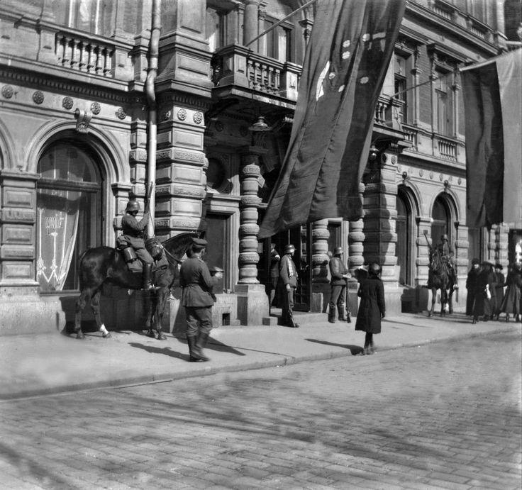 Helsingin valtaus 1918. Saksalaisten päämaja Hotelli Kämpissä.