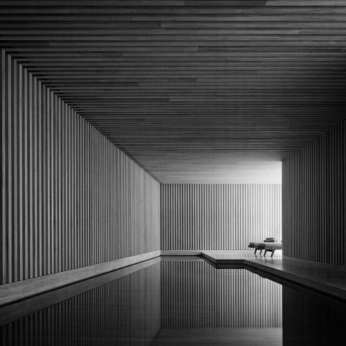 just-good-design:hoscos: This is what you get when you ask David Chipperfield to make you a pool