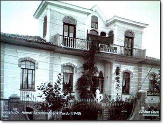 DENİZLİDE TARİHİ KONAKLAR -ÇALLI ADINA ETKİNLİK Denizli evleri dia gösterisini izleyen ünlü Ressam Yaşar Çallı da, dedesi İbrahim Çallı adına, Denizli'de 22 Ağustos - 4 Eylül tarihlerinde gerçekleştirilecek 'uluslararası resim