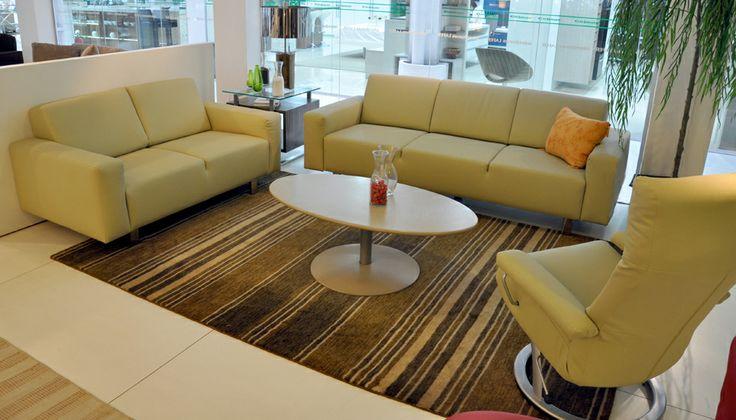 Na Interdomus Lafer você encontra sofás, poltronas, sofás-camas, poltronas reclináveis, conjuntos para home theater entre outros estofados. http://www.lafer.com.br