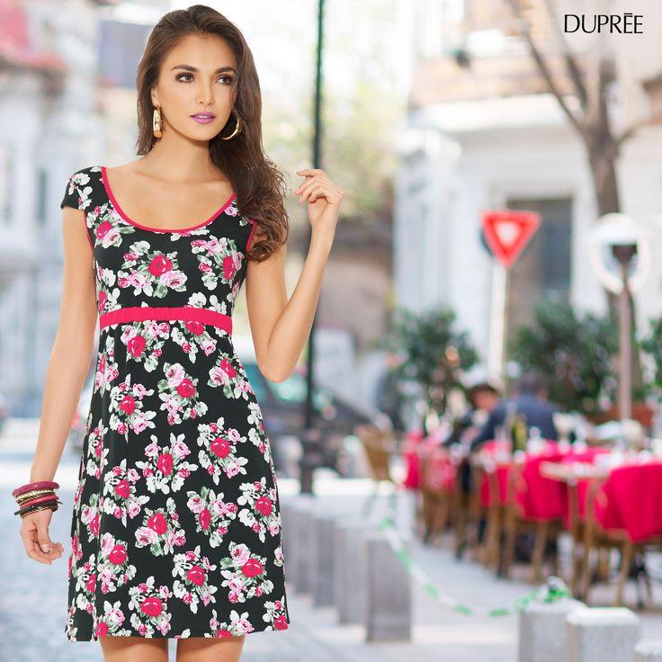 Vestido de flores para días de sol y clima cálido.
