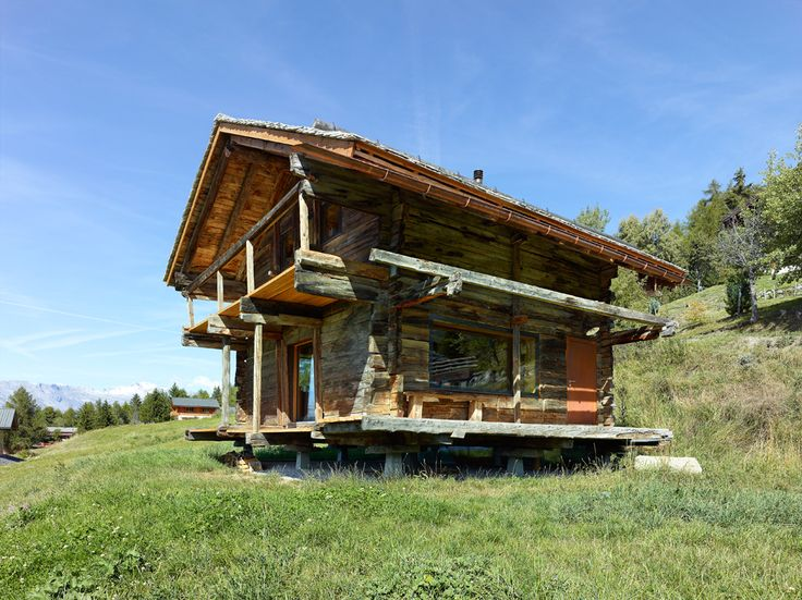 Dont Judge a Book By its Cover Or How S.Fabrizzi Architects Renovated a Cottage In The Mountains
