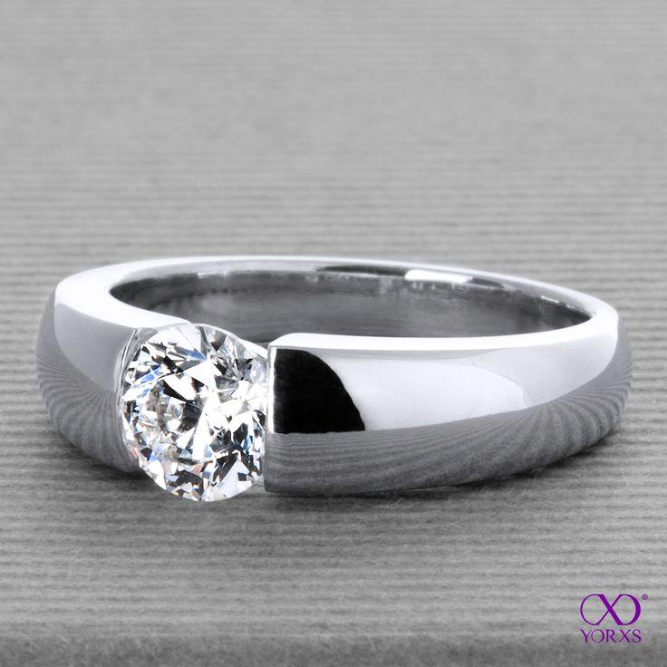 "We just delivered this gorgeous ""Alemonia"" with an 0.9 ct diamond! #alemonia #weißgold #diamant #spannring #brillant #karat #zertifiziert #gia #ringkonfigurator #diamantschmuck #selbstgestalten #yorxs"