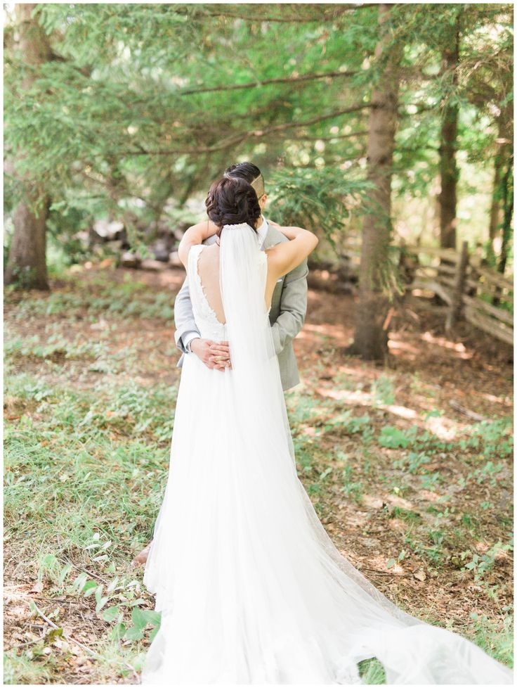 black creek pioneer village wedding toronto, rustic wedding photos, long veil,