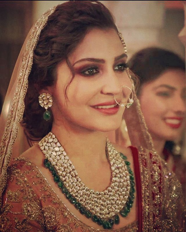 Beautiful anushka as Alizeh  in the song channa mereya  just can't get over Anushka in this bridal look ❤❤