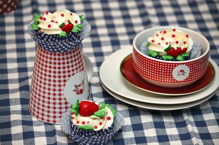 Unos cupcakes sofisticados con un dulce sabor a fresas