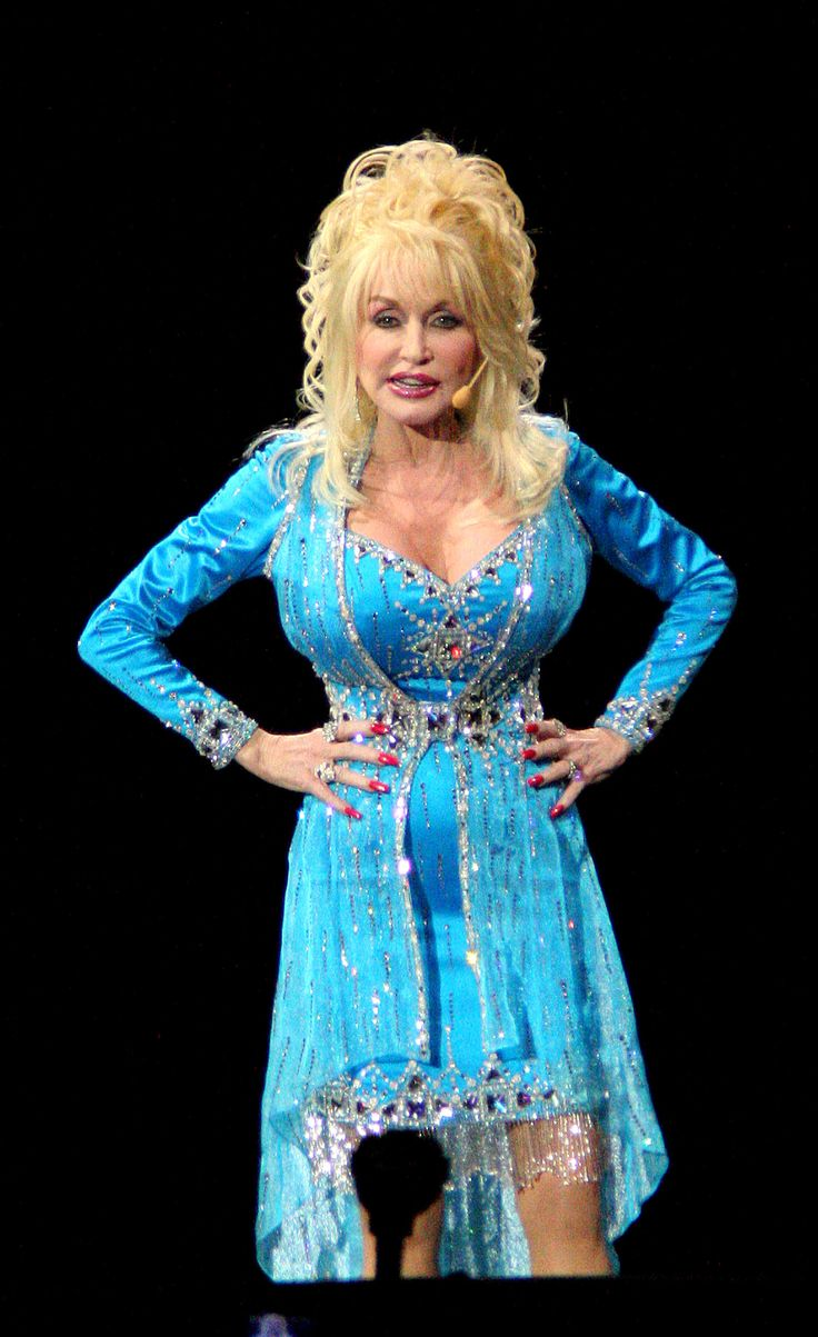 """It takes a lot of money to make someone look this cheap"" - Dolly Parton"