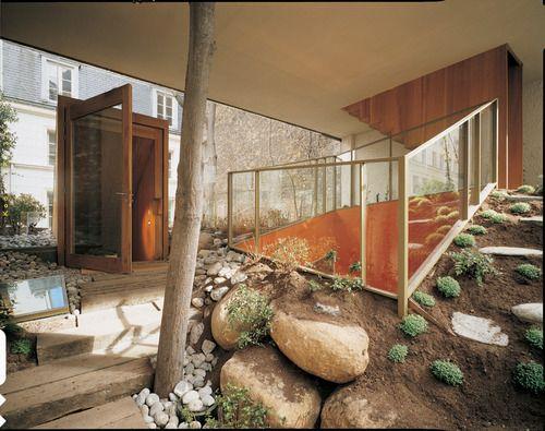 Christian Pottgiesser - Galvani House, Paris 2003. Via, photos (C) Gert von Bassewitz.
