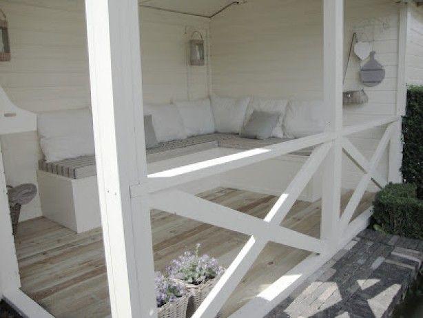 Op mijn verlanglijstje: een veranda om heerlijk buiten te zitten, ook als het minder mooi weer is.