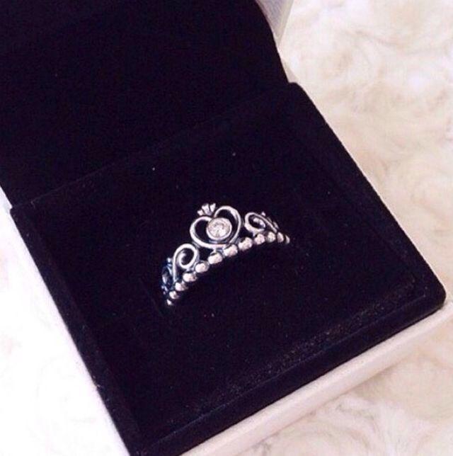 Pandora Tiara Ring ✨