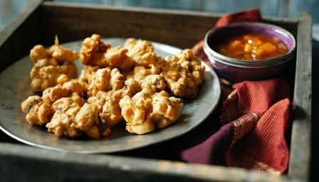 These easy vegetable #pakoras are so simple to make.