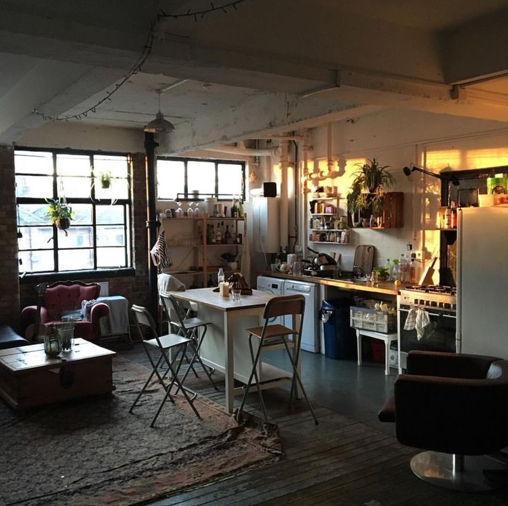 528 best bude images on Pinterest | Work spaces, Art studios and ...