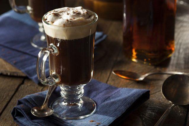 Irish coffee la ricetta originale del cocktail al caffè irlandese