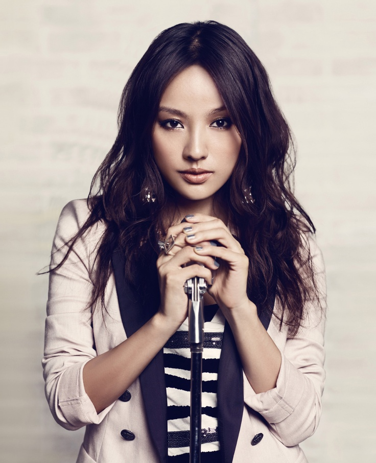 Lee Hyori (May 10 1979)