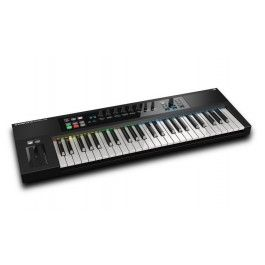 The Native Instruments  Komplete Kontrol S-49 is a MIDI keyboard controller crammed with advanced technological features. The super sleek and feature-rich controller displays a top of the range Fatar keybed and Smart Play attributes to allow for creative production.