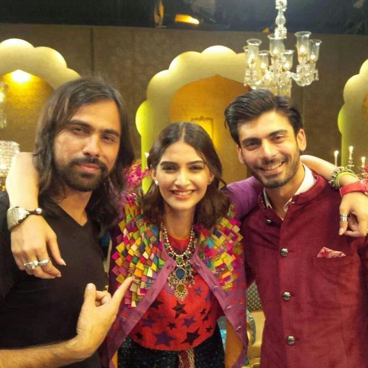 Another Khoobsurat pic!