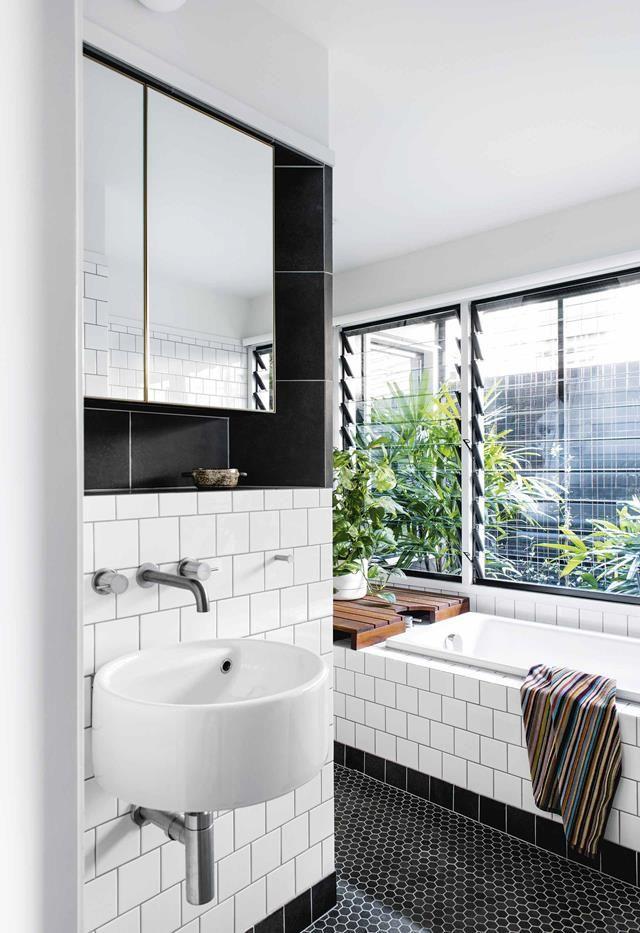 A Classic All White Timber Queenslander In Brisbane Bathroom