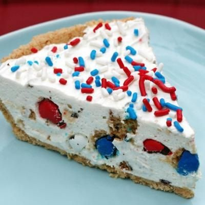 Red White and Blue Pie  I want my mommy to make this too!