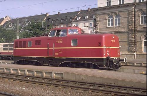 V80 002 (280 002) in Nürnberg Hbf, Juni 1986