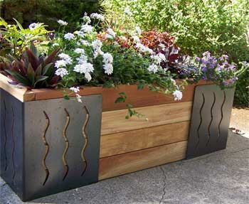 A Little Art in the Garden: M Brace Makes Constructing Your Own Raised Beds Easy : TreeHugger