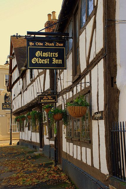 THE OLD BLACK BEAR INN-    Tewkesbury Gloucestershire.