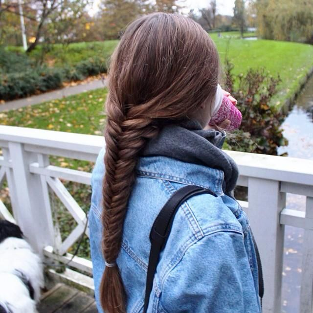 Simple fishtail for fall from @hairandnailsinspiration. Braids + hot chocolate = great combo.