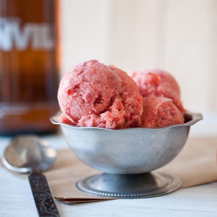 Strawberry BeerSorbetIce Cream Maker, Strawberries Beer Sorbet, Desserts Sweets Treats, Strawberries Recipe, Drinks Icecream, Frozen Pop, Favorite Recipe, Sweets Tooth, Desserts Vegan