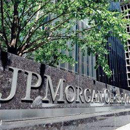 """""""JP Morgan annuncia buco di due miliardi: torna l'allarme derivati"""".  Ma è mai possibile che questi disgraziati possano continuare a giocare d'azzardo con i nostri soldi e quando perdono paghiamo, ma anche quando intascano miliardi paghiamo sempre lo stesso?!!!"""