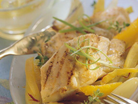 Zander mit Orangen-Fenchelgemüse ist ein Rezept mit frischen Zutaten aus der Kategorie Sprossgemüse. Probieren Sie dieses und weitere Rezepte von EAT SMARTER!