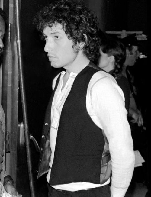 Bob Dylan at the Felt Forum for the 'Friends of Chile' benefit concert on May 9, 1974 in New York City, New York. Photo by Chuck Pulin.