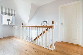 super Treppengelande a Holztreppe im romantischen Landhaus – ECO System HAUS
