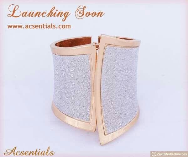 #acsentials #accessories #bracelets #classystuffs #girlsstuffs #trendison #shoppingtime