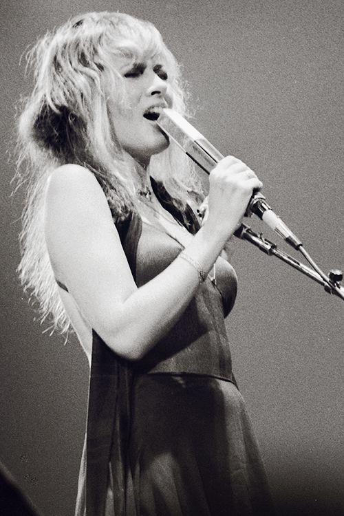 Stevie Nicks, Rumours Tour (courtesy of crystalline)