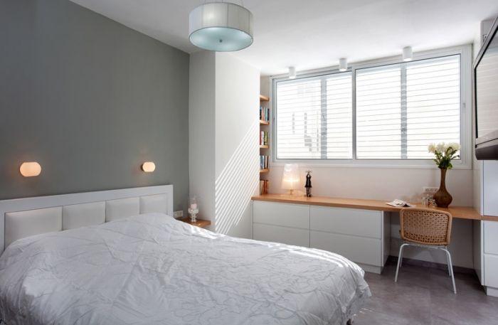 חדר שינה עם פינת עבודה