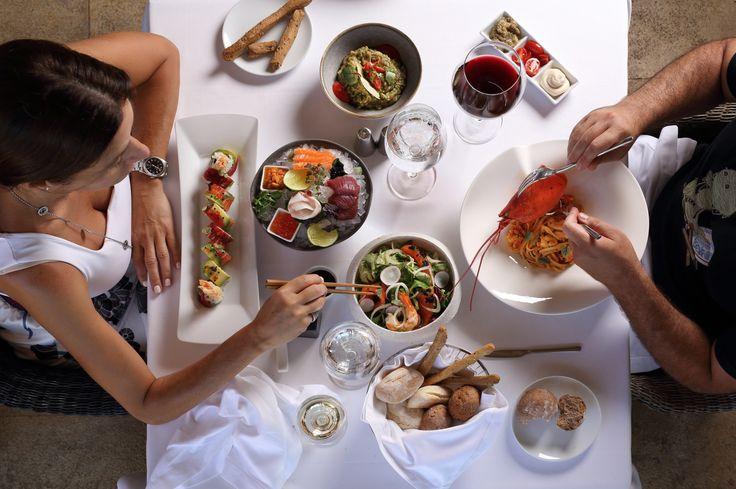 At Ithaki Restaurant, Athens, we believe that good food brings people together.