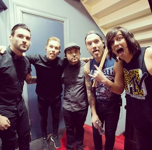 124 best sleeping with sirens images on pinterest kellin quinn sleeping with sirens m4hsunfo
