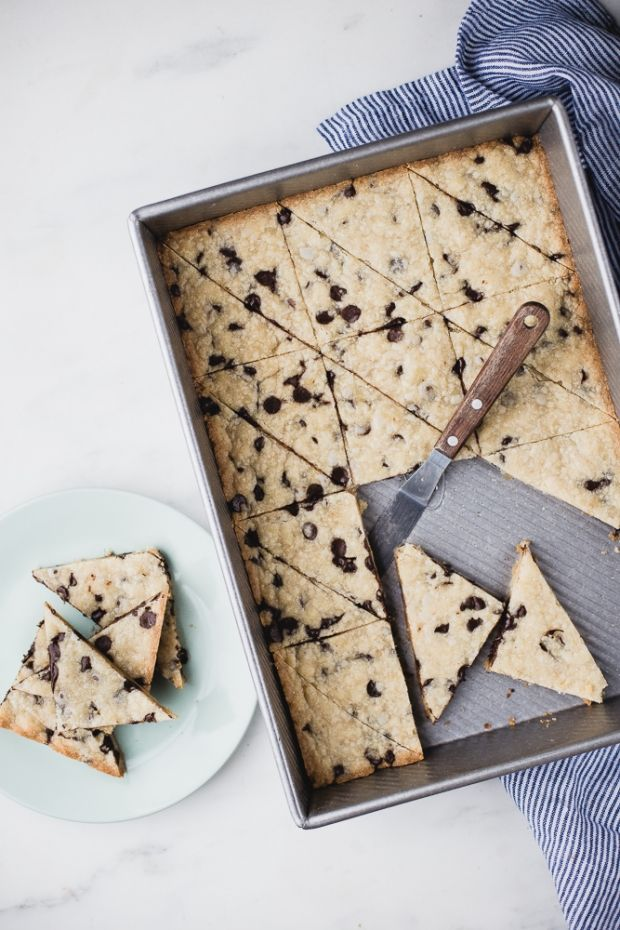 Cookie Brittle | Buttery, chocolatey and beautifully simple. @themodernproper