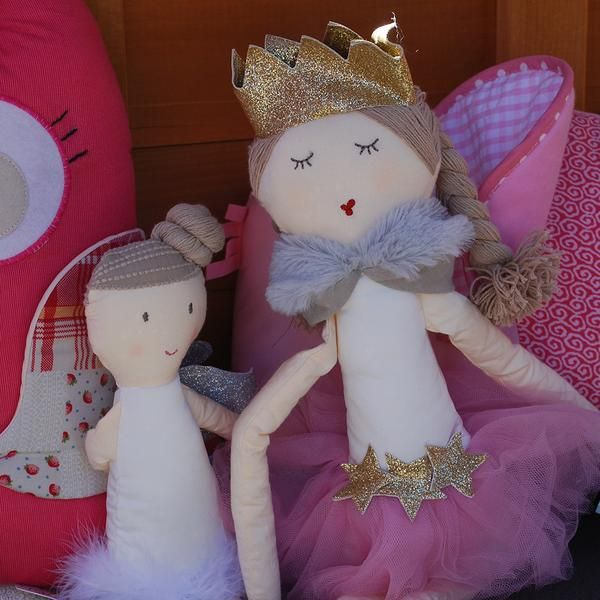 This pretty pink princess doll loves playing hide and seek in the huge palace- problem is she often gets carried away and can't find her way back from the hiding spot!