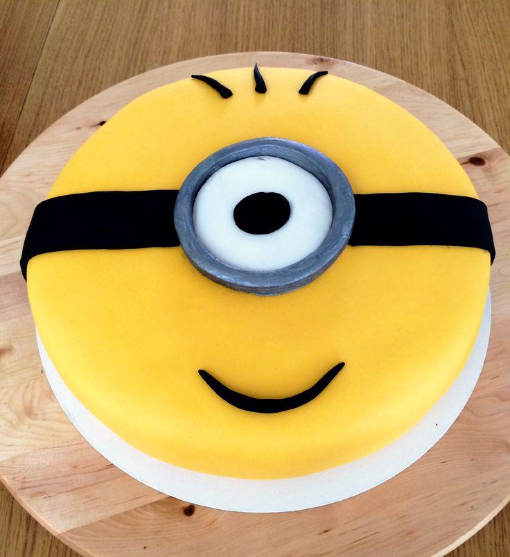 Op een minion feestje kan een minion taart niet ontbreken!