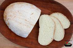 Další náš recept je na výborný světlý bezlepkový chléb :-)