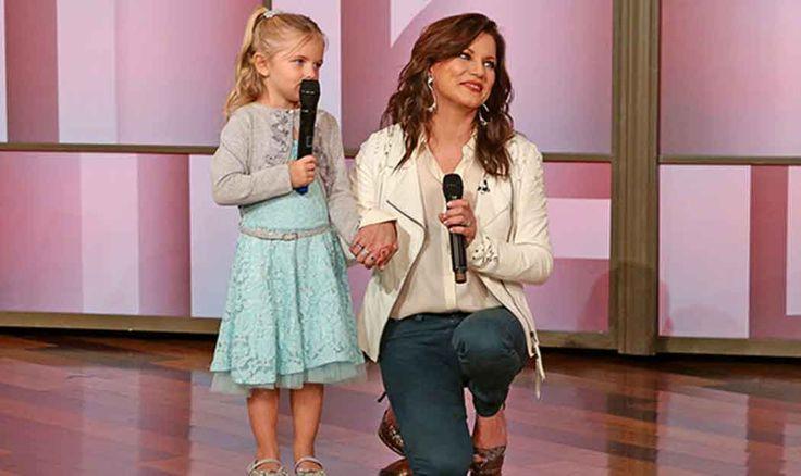 Martina McBride Helps 4-Year-Old Serenade Mom with Cancer