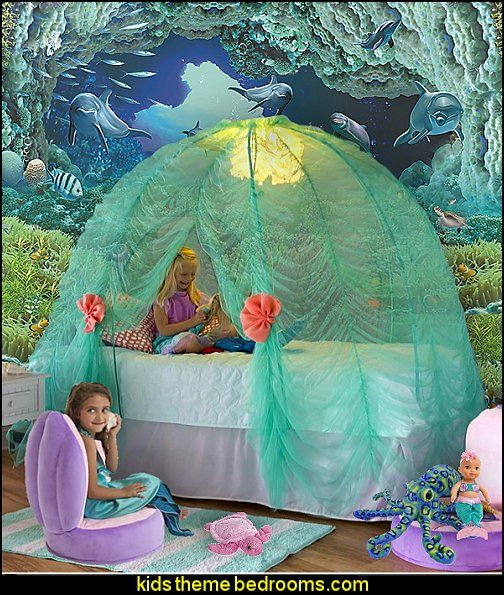 Create An Under The Sea Themed Bedroom Filled With Fishies And Mermaids Little Mermaid