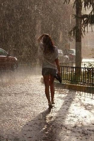Bazı insanlar yağmuru hisseder, diğerleri ise sadece ıslanır.